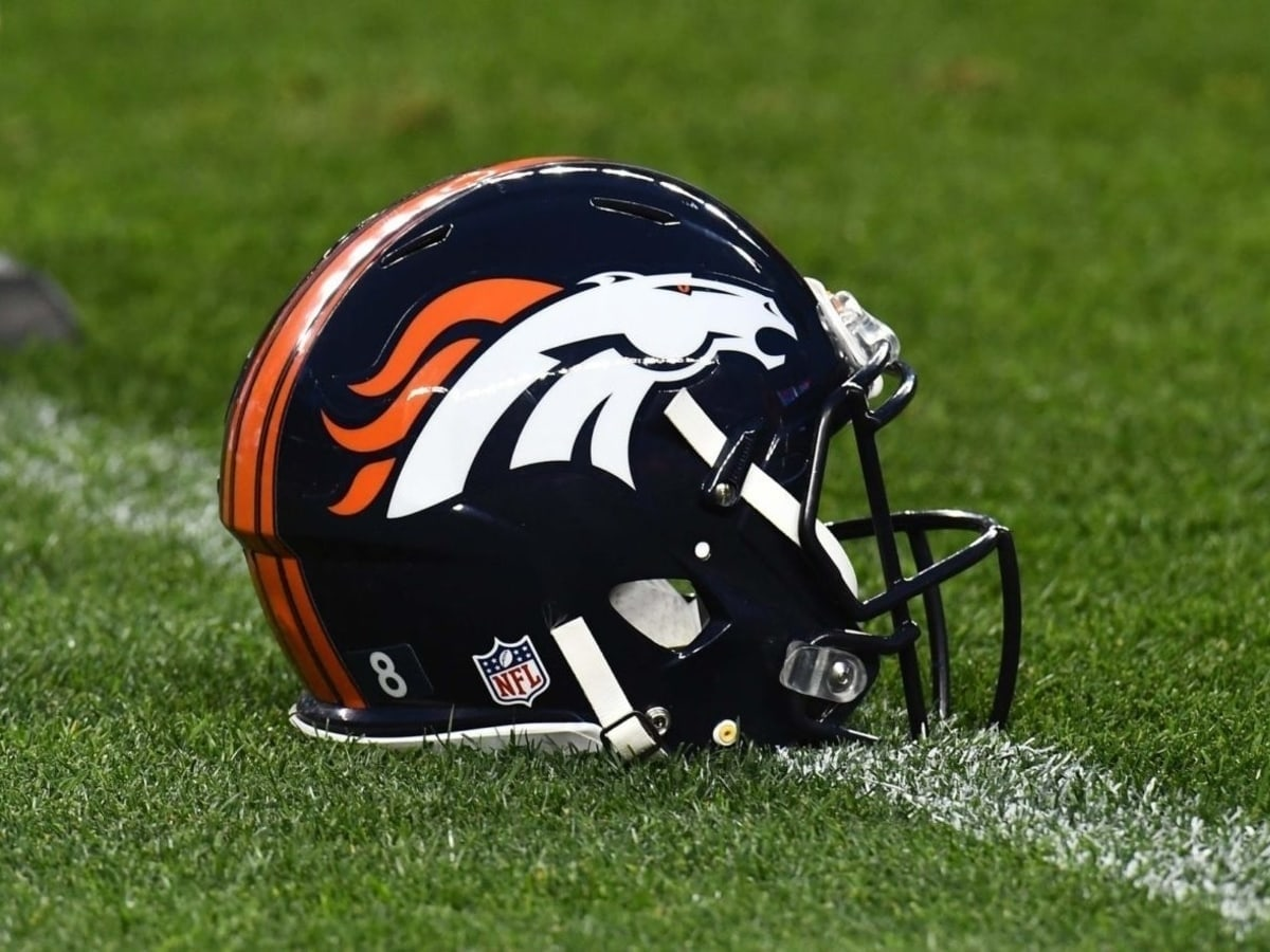 Denver Broncos Helmet- NFL Betting Odds And Preview