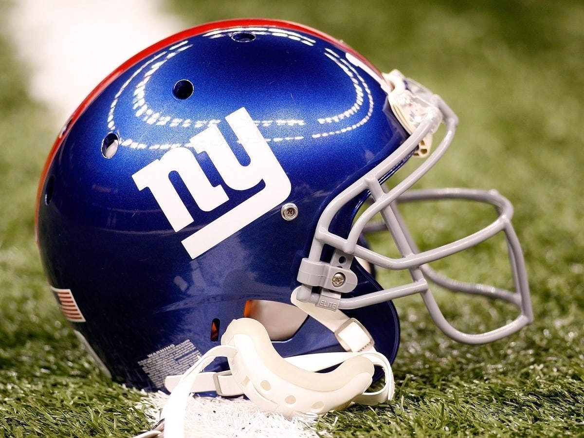 New York Giants Helmet - NFL Betting Odds And Preview