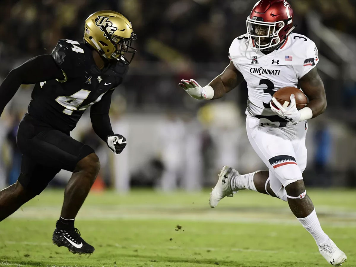 UCF Knights at Cincinnati Bearcats - College Football Betting Odds and Pick